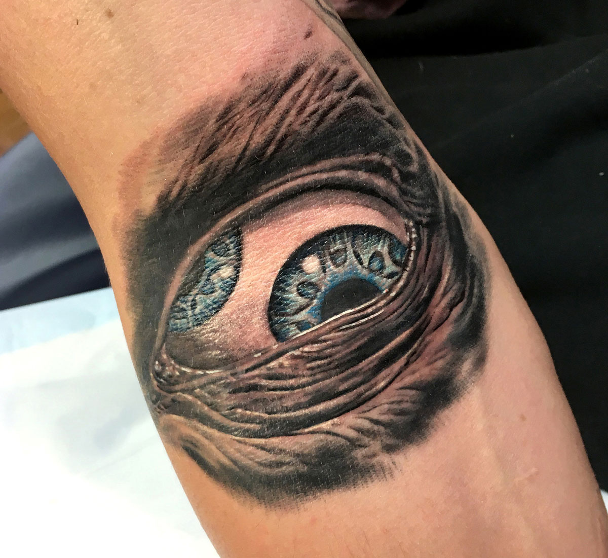 Nathan Puata - realistic eye tattoo